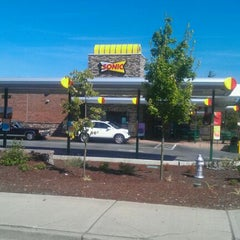 Photo taken at SONIC Drive In by Kara M. on 9/1/2011