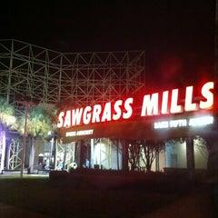 Photo taken at Sawgrass Mills by Angelisa on 11/21/2011