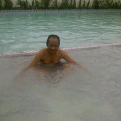 Photo taken at Boli Boli Cafe (Pemandian Air Panas) by miduk s. on 12/22/2011