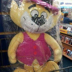 Photo taken at Blockbuster by Marie C. on 10/21/2011