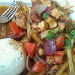 Photo taken at Mamita Peruvian Restaurant by Shelya J. on 8/29/2011