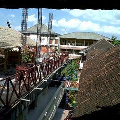 Photo taken at SMA Dwijendra Denpasar by Yuga T. on 9/9/2011