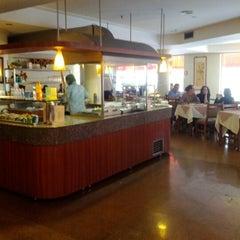 Photo taken at Lótus Restaurante Vegetariano by Jefferson Marcelo L. on 7/7/2012