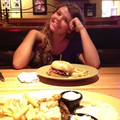 Photo taken at Applebee's by Lincoln P. on 7/28/2012