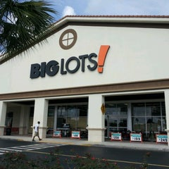 Photo taken at Big Lots by Celly L. on 6/15/2012