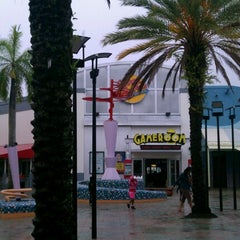 Photo taken at Johnny Rockets by Peter B. on 6/24/2012