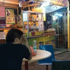 Photo taken at Arie's BB Burger by Suhaimi I. on 2/24/2012