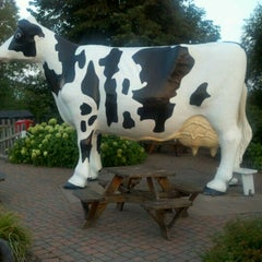 Photo taken at Jilbert Dairy Inc by Rochelle J. on 8/27/2012