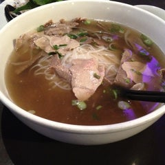 Photo taken at Pho Real Vietnamese Restaurant by dj a. on 4/7/2012