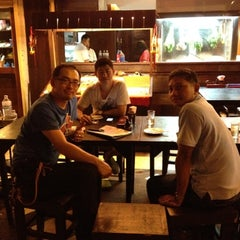 Photo taken at ร้านอาหารเยาวราช by Chuchart C. on 8/2/2012