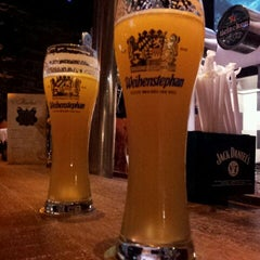 Photo taken at Grainne's Irish Pub by Raphael B. on 9/29/2011