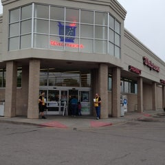 Photo taken at Walgreens by Jaymes E. on 4/14/2012