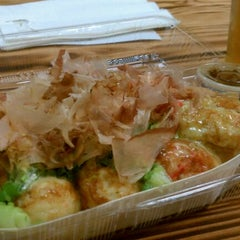 Photo taken at Grace Foods Takoyaki by Rob G. on 9/17/2011