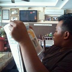 Photo taken at Taufik Kopitiam by Airull F. on 8/30/2011