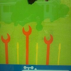 Photo taken at MUNI Bus Stop - 4th & Market by Jose C. on 3/22/2012