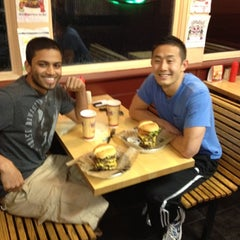Photo taken at Jake's Wayback Burgers by Robertino L. on 9/9/2012