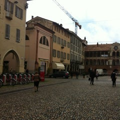 Photo taken at Piazza della Vittoria by Giusy M. on 4/24/2012