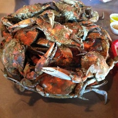 Photo taken at Harris Crab House by Robbie T. on 8/15/2011