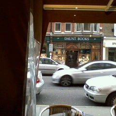 Photo taken at Marco Polo's by Cynthia S. on 12/26/2011