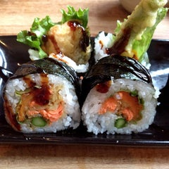 Photo taken at Moshi Moshi Sushi by SouthernBeets on 3/29/2012