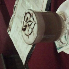 Photo taken at Extra Lounge by rahaditya d. on 1/1/2012