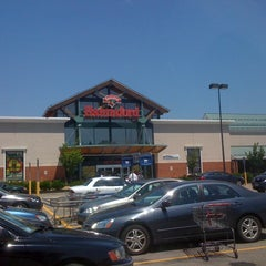 Photo taken at Hannaford Supermarket by Dave K. on 7/17/2011