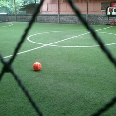 Photo taken at Hanggar Futsal by Aji Y. on 4/9/2012