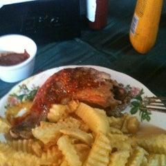 Photo taken at Restoran El Mastike by Pablo J. on 9/4/2012