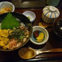 Photo taken at Doraya 定食 by Michael C. on 11/8/2011