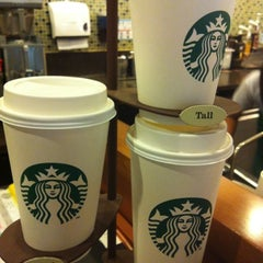 Photo taken at Starbucks (สตาร์บัคส์) by Paulina W. on 5/22/2012