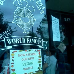 Photo taken at Dame's Chicken & Waffles by Elana W. on 9/5/2011