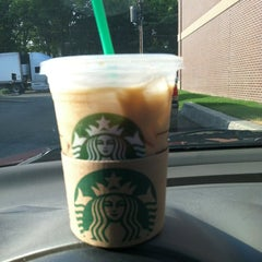 Photo taken at Starbucks by Sheila Hoskins R. on 7/8/2012
