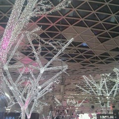Photo taken at Westfield Shepherd's Bush Ice Rink by Nastia R. on 12/23/2011