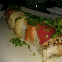 Photo taken at Sushi Hana Japanese Kitchen by Anna J. on 10/22/2011