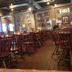 Photo taken at Cracker Barrel Old Country Store by Jasper C. on 11/1/2011