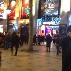 Photo taken at Virgin Megastore by ümit ü. on 12/14/2011