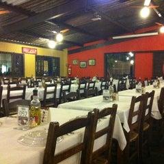 Photo taken at Pizzaria Vero Verde by Leonardo R. on 9/19/2011