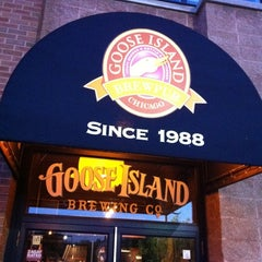 Photo taken at Goose Island Brewery by Robin H. on 7/23/2011