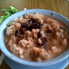 Photo taken at Es Kacang Mamat by Christine H. on 1/15/2012