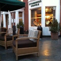 Photo taken at Starbucks by Guillermo B. on 9/3/2011