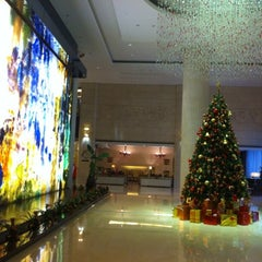 Photo taken at 北京中关村皇冠假日酒店 Crowne Plaza Beijing Zhongguancun by Kum Mun L. on 12/6/2011
