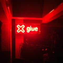Photo taken at Glue Isobar by Alex J. on 12/22/2010