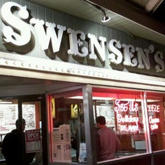Photo taken at Swensen's Ice Cream by Ray E. on 10/7/2011