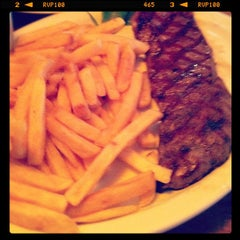 Photo taken at Capital Steakhouse by Rogério A. on 12/3/2011
