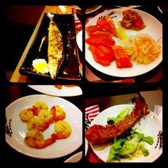 Photo taken at Oishi Buffet (โออิชิ บุฟเฟ่ต์) by Kanyarath U. on 5/27/2012
