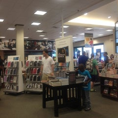 Photo taken at Barnes & Noble by Leila W. on 6/30/2012