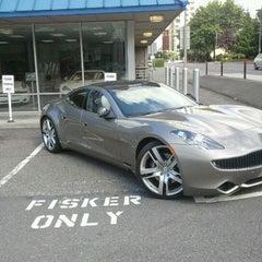 Photo taken at Fisker of Bellevue by Raymond F. on 8/30/2012
