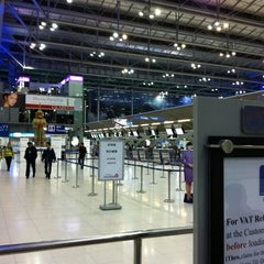Photo taken at Departures / Check-In Hall by Tee T. on 11/9/2011