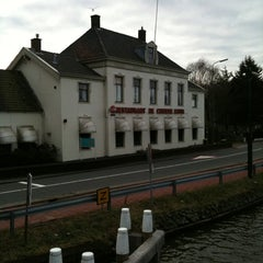 Photo taken at Restaurant De Chinese Muur by Chris R. on 1/19/2011