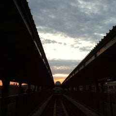 Photo taken at MTA Subway - Myrtle/Wyckoff Ave (L/M) by J D. on 10/16/2011